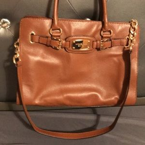 Michael KORS medium sized tan bag